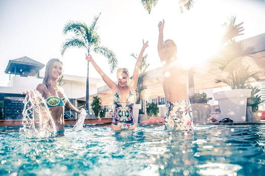 How to Throw an Amazing Pool Party