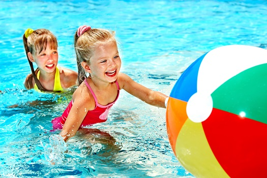 7 Great Swimming Pool Games to Play with Children
