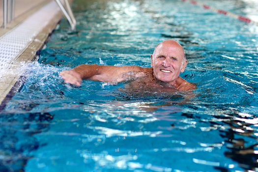 5 Major Benefits of Swimming for Senior Citizens