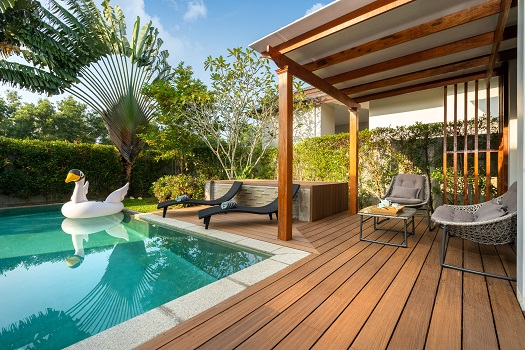 Great Ideas for Landscaping the Area Around Your Pool
