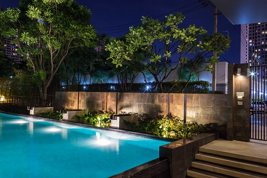How to Build a Commercial Pool that's within Your Budget