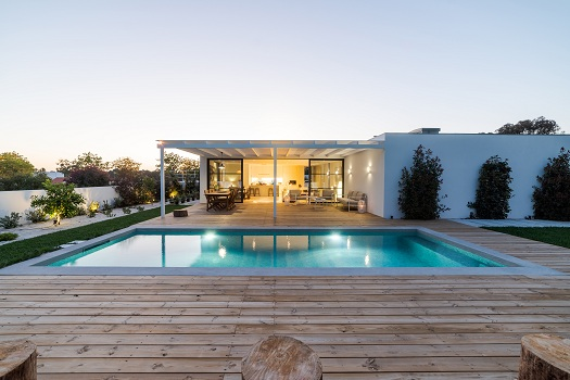 Long-Term Benefits of Home Swimming Pools