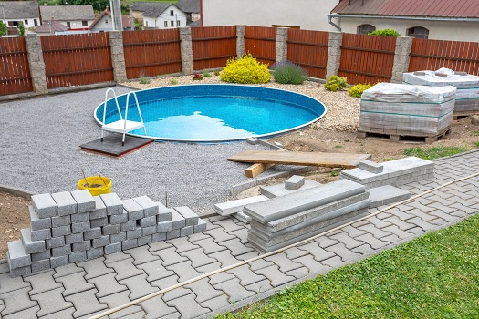 Top 5 Reasons to Hire a Professional to Construct Your Pool