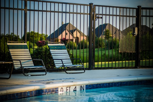 5 Ways to Make a Commercial Swimming Pool Safer for Customers