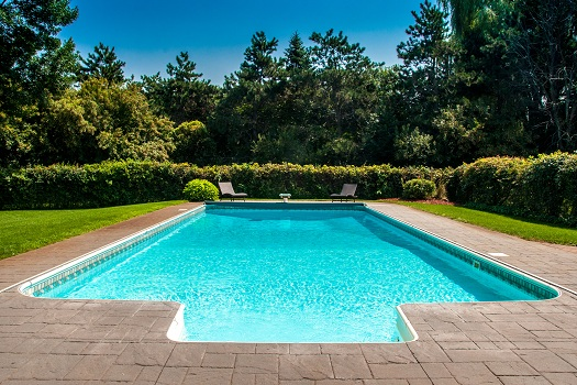 Are Pools without Chlorine Safe for Swimming?