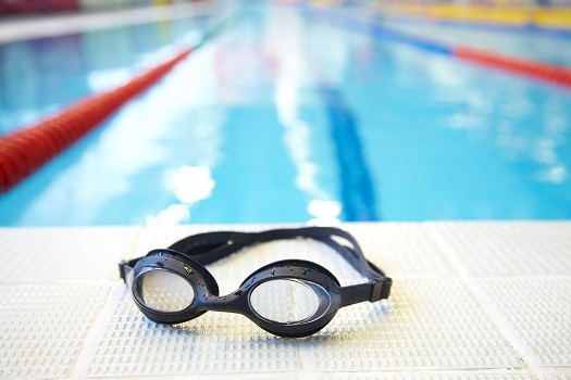 Should I Wear Goggles when I Swim?