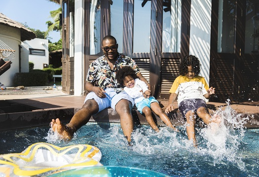 Reasons to Consider a Staycation by Your Pool Instead of a Vacation