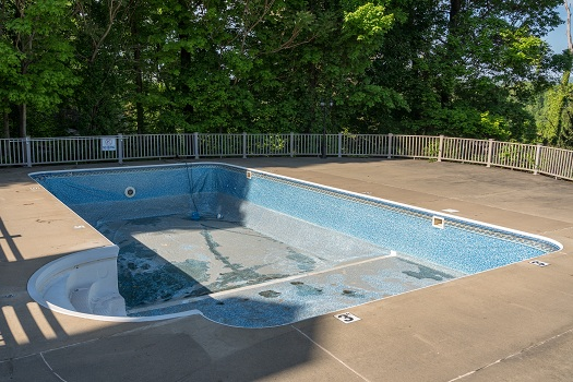5 Signs Your Pool May Need Remodeling