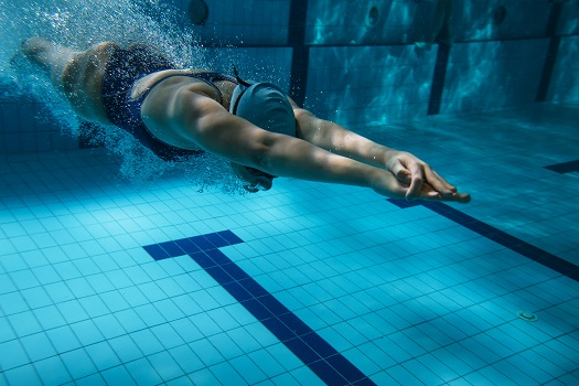 Which Is Better: Swimming in Your Home Pool or Going to a Gym?