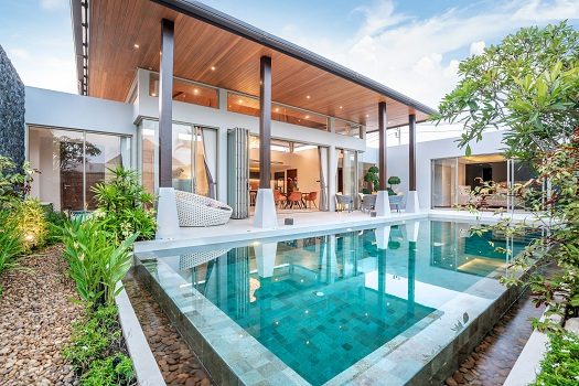 Tips for Beautifying Your Pool Area