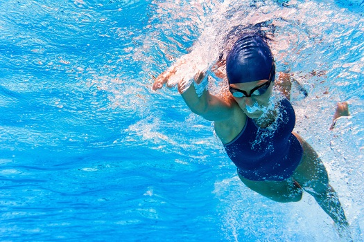 Is there an Optimal Time of Day for Swimming?
